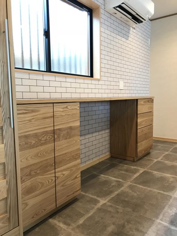 富山 SOLID 家具屋