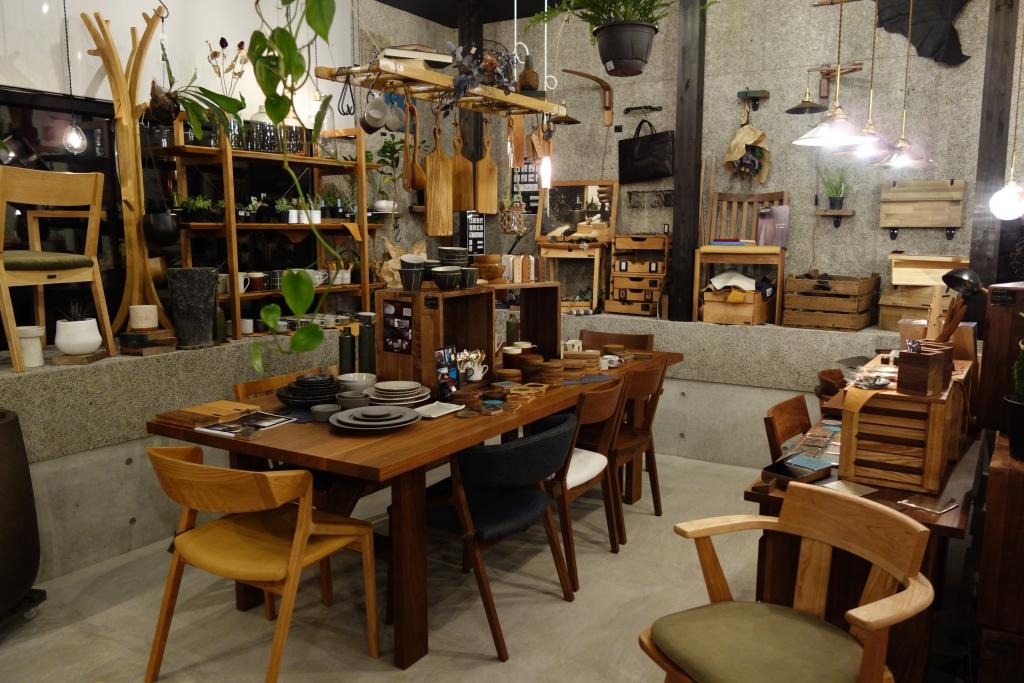 SOLID金沢、無垢材、家具、新築、リフォーム、富山、ミヤモト家具、ソファ、TVボード、ダイニング、雑貨、食器