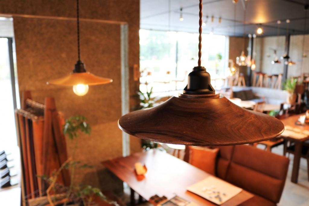 SOLID、ミヤモト家具、金沢、富山、家具、無垢材、照明、ウォールナット