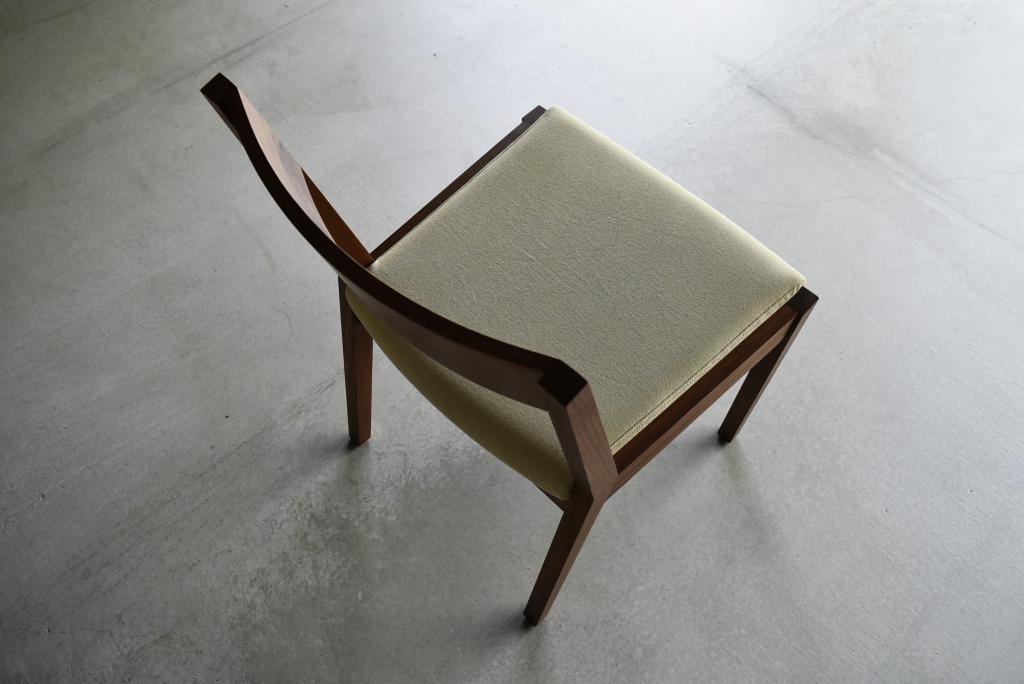 同じようで違う椅子