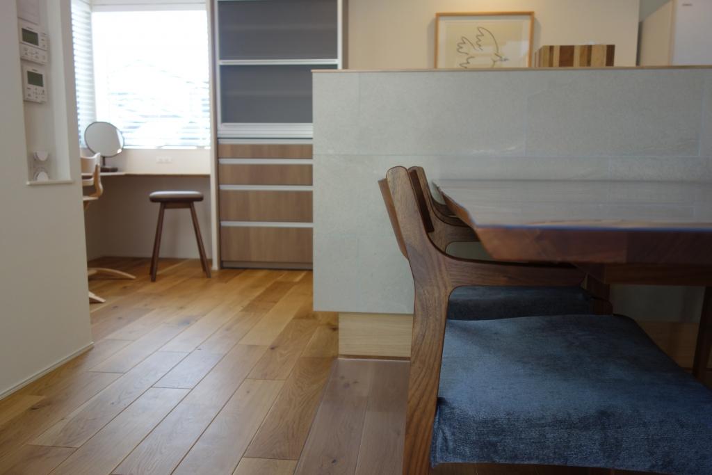 ミヤモト家具,SOLID,富山,金沢,,家具,インテリア,ダイニングテーブル,耳付き,天然耳,裏耳