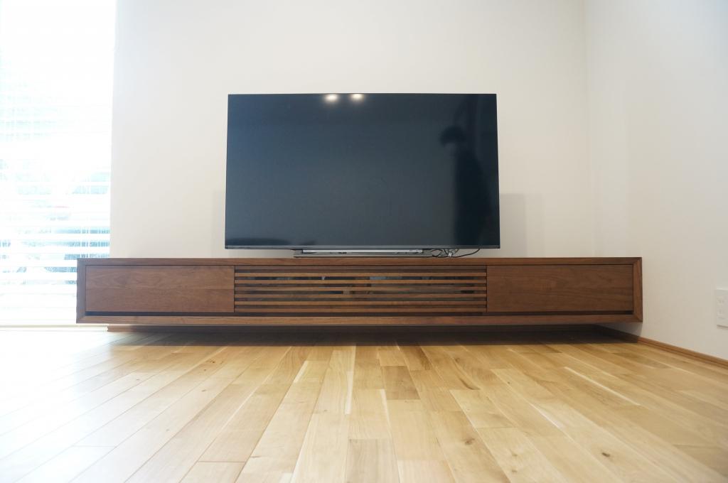 ハイクオリティ・ロープライスな造作TVボード